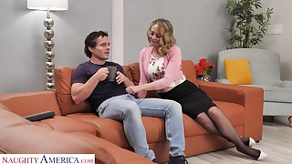 Sexy housewife Elle McRae takes the lead and seduce man for unintended leman