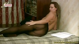 Buxom vixen loves to touch yourself to the fullest extent a finally wearing pantyhose