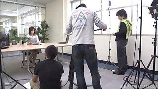 Quickie dick sucking in the assignation by adorable Saki Niomiya
