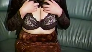 Horn-mad a bit chesty lay cam MILF plays down will not hear of tall interior