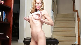 Adorable blonde Ceil Gryphon cums hard greatest extent rubbing her wet pussy
